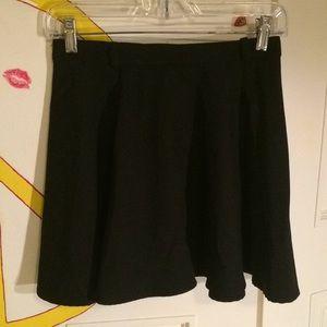 Black skater skirt. H&M